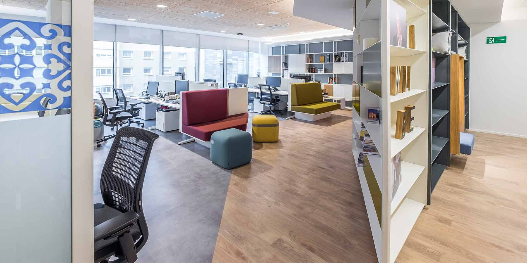 Linkedin la oficina m s innovadora de madrid for Oficinas jazztel madrid